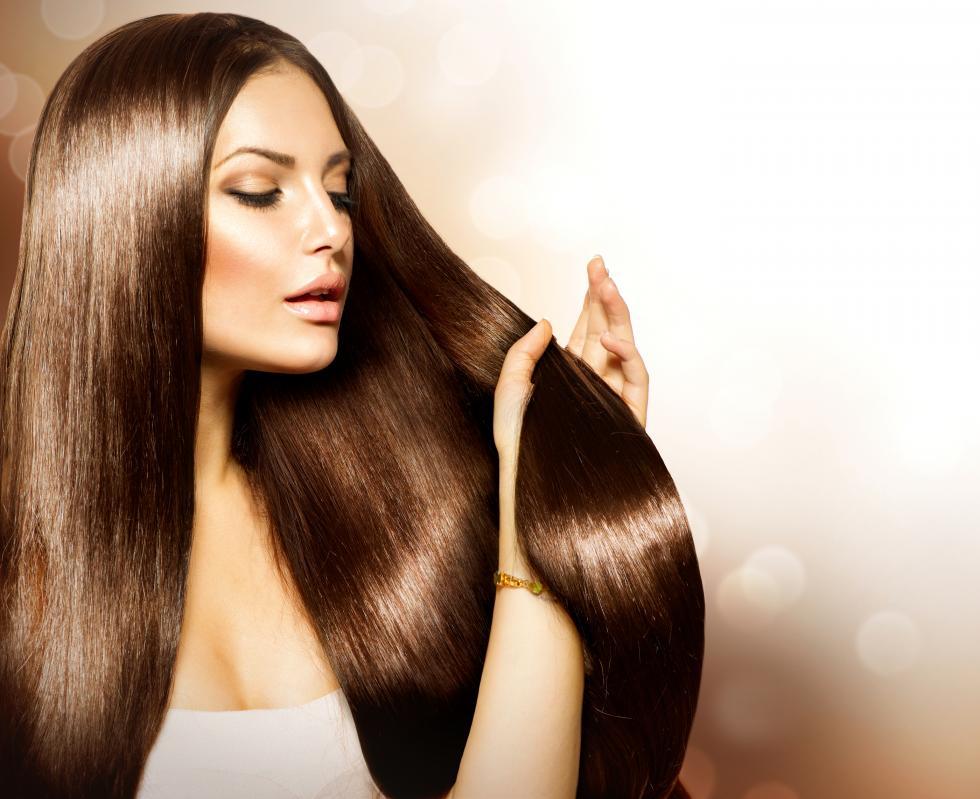 Jak ożywić matowe włosy?