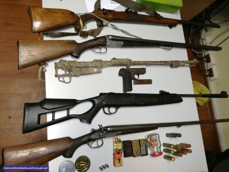 Nielegalny arsenał